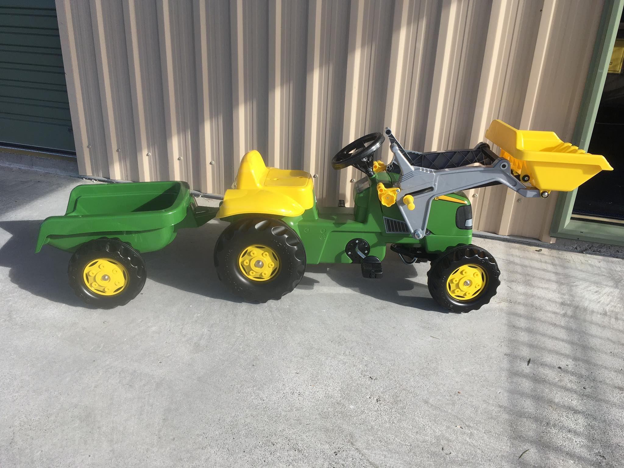 John Deere Pedal Front Loader Ride-On with Trailer